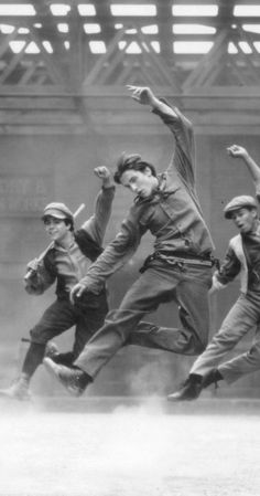 Photos We Love From Our Favorite Family Films 90s Movies, Movie Tv, Newsies Broadway Cast, Robert Sean Leonard, Jack Kelly, Shall We Dance, Music Theater, Movies Showing, Aesthetic Pictures