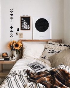Minimalist Apartment Decoration - When it is likely to manage to live in a luxury apartment then you definitely have to have the ability to afford having it decorated in a way that would look and feel appropriate for you. Small Master Bedroom, Master Bedroom Design, Bedroom Inspo, Home Decor Bedroom, Bedroom Ideas, Diy Bedroom, 1920s Bedroom, Bedroom Corner, Budget Bedroom
