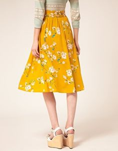 love this yellow skirt for spring/summer.