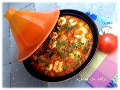 ... een heerlijke, gezonde tajine..... Nodig! 250 g scampi: ontdarmd en eventueel gepeld 1 blik gepelde tomaten in de winter/ een vi... Couscous, Wok, Healthy Diners, Pesco Vegetarian, Tagine Recipes, Good Food, Yummy Food, Arabic Food, Different Recipes