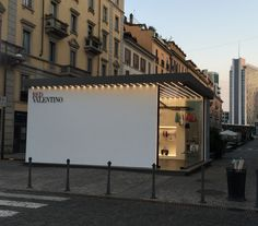 Pop Up Store Red Valentino