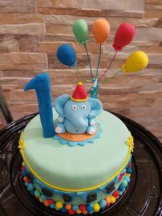 Fondant elephant cake