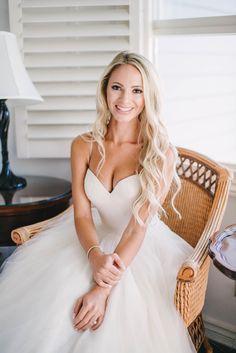 Long blonde waves, California bride, soft bridal curls // Vitaly M Photography