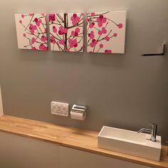 いいね!42件、コメント9件 ― @takeshita1128のInstagramアカウント: 「マイホーム記録 やっと付けれた✨✨ トイレに、マリメッコのファブリックパネル♡( ᵕ̤ૢᴗᵕ̤ૢ )♡ これを飾りたかったので、壁紙は1面だけ暗めのグレーに。…」