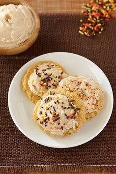 Soft pumpkin sugar cookies topped with creamy cinnamon frosting and festive sprinkles to put you in the pumpkin mood. I knew I couldn't go through November without posting anything pumpkin, so I finally opened my first can of the season. Usually I don't wait this long, but I wanted to get through apple season first …