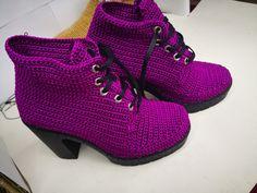 Crochet Boots Pattern, Shoe Pattern, Crochet Sandals, Booties Crochet, African Print Skirt, Spring Boots, Princess Shoes, Crochet Books, Crochet Clothes