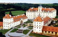 Have you visited the Czech Republic yet? If you haven't, do yourself and visit this magnificent country. The Czech Republic is absolutely stunning, trust us Royal Residence, Beautiful Places In The World, Eastern Europe, Czech Republic, Vacation Spots, Continents, Exterior, Mansions, Medieval