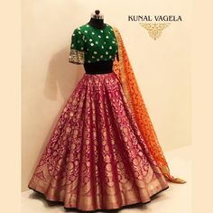 Pink Banarasi bridal lehenga with contrast green gold bridal lehenga blouse. Banarasi Lehenga, Indian Lehenga, Lehenga Indien, Blouse Lehenga, Half Saree Lehenga, Lehnga Dress, Lehenga Skirt, Lehenga Choli Designs, Kurta Designs