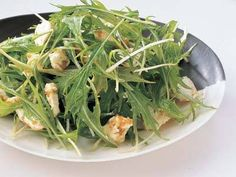 小田 真規子 さんの「クリームチーズと水菜の柚子こしょうあえ」。火を使わずにパパッとできるつまみ。柚子こしょうの香りと辛みがアクセントです。 NHK「きょうの料理」で放送された料理レシピや献立が満載。