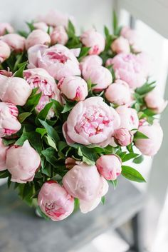 Bouquet of Peonies I love these flowers The post Bouquet of Peonies appeared first on Diy Flowers. Pink Peonies, Pink Roses, Pink Flowers, Peony Colors, Peonies Bouquet, Pink Bouquet, Peony Flower, My Flower, Fresh Flowers