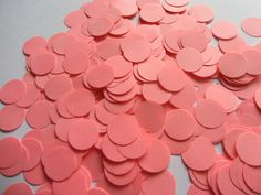 Best Garden Decorations Tips and Tricks You Need to Know - Modern Wedding Table Decorations, Wedding Tables, Paper Confetti, Neon, Wedding Confetti, Pink Paper, Paper Hearts, Valentine Gifts, Circles