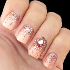 CHIC BEIGE NAILS WITH GLITTER