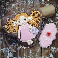 64 個讚,2 則留言 - Instagram 上的 Пряники Подарки Киев(@o_pryanik):「 Девчушка:) Таких ярких пряничных малышек все чаще заказывают на дни рожденья! Они радуют маленьких… 」