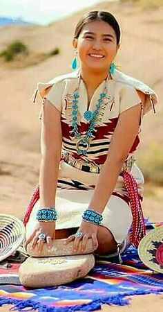 Native American Dress, Native American Beauty, Native American Photos, Native American Tribes, American Indian Art, American Indians, Walk In The Spirit, Beautiful Young Lady, Native Indian