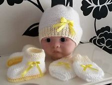 SET 0-3 Months Knitted Baby Girls White and Lemon/Yellow Hat/Mitts/Booties/Shoes