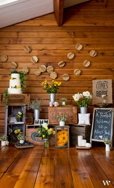 We love this rustic wedding display. Every element pulls together so well to create a rustic country wedding theme.