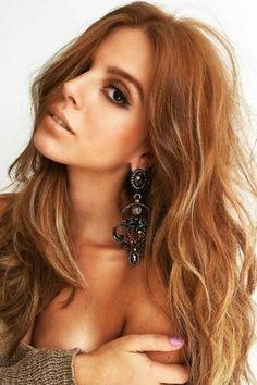 Nem loira nem ruiva: Giovanna Lancellotti dita o tom de cabelo da vez