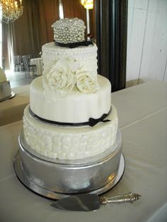 Cakes by Shelley Weinreb  shelleyweinreb.com Let Them Eat Cake, Wedding Cakes, Cupcakes, Desserts, Food, Deserts, Wedding Cake, Cupcake, Cake Wedding