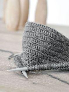 DIY   Anleitung Fischgrätmuster stricken und warum man nie genug Topflappen haben kann!