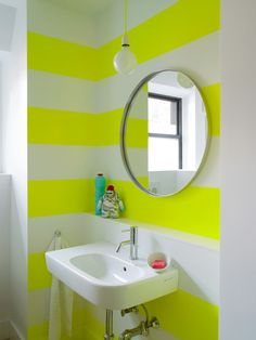 Ghislaine Vinas, neon
