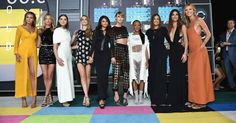 Taylor Swift makes a stunning arrival (with her squad) at the MTV #VMAs! http://popsu.gr/38227499