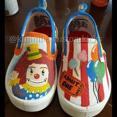 Front view carnival theme  #kimmiescustomkicks #kimberlys_creations #handpaintedshoes #admitoneticket #carnivalticket #carnivalrides #carnivalclowns #balloons #cottoncandy #everytbingcarnival #carnivalparty #firstbirthday