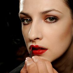 Paris Fashion Week: red lips + coppery smoky eye 2 (Okay, really liked this look)
