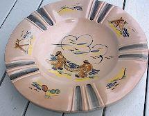 Graveren keramikk Elsa Grimsrud Decorative Plates, Tableware, Kitchen, Home Decor, Lily, Dinnerware, Cooking, Decoration Home, Room Decor