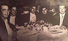 "L to R - James 'Jimmy' Burke , Henry Hill , Thomas 'Tommy' Desimone , Vittorio 'Little Vic' Orena & Lenny Vario (Paulie's son) These guys were the crew that ""Goodfellas"" the movie was about. Real Gangster, Mafia Gangster, Gangster Movies, Colombo Crime Family, Mafia Crime, Tony Soprano, Life Of Crime, Al Capone, James Brown"