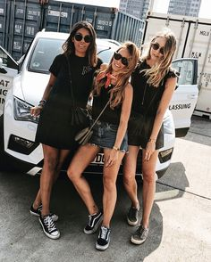 Ready with them girls and our Seat Ateca for Lollapalooza day 2 #seatdeutschlandniederlassungen #seatniederlassungberlin #seatbestmoments from left to right: Storm from TheAdorableTwo, Desi from teetharejade, Laura from TheLimitsOfControl