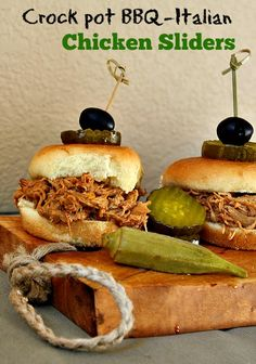 Feed a crowd with these Crock Pot Shredded Chicken Sliders. Delicious with a combination sauce of BBQ and Italian Dressing. Let your slow cooker do the work. Great for Football or tailgating parties. Slow Cooker Bbq, Slow Cooker Desserts, Slow Cooker Recipes, Crockpot Recipes, Crockpot Dishes, Dishes Recipes, Beef Sliders, Chicken Sliders, Bbq Chicken