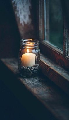 Good Absolutely Free Candles photography Suggestions As with all candles, the first burn is the most important. To begin, candles should burn one hour fo Candle Lanterns, Candle Jars, Candle Holders, Window Candles, Candle In The Window, Candle In The Dark, Bougie Partylite, Deco Nature, Witch Aesthetic
