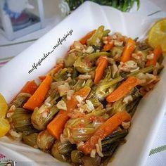 Görüntünün olası içeriği: 1 kişi, yiyecek Japchae, Cabbage, Vegetables, Ethnic Recipes, Food, Meal, Essen, Vegetable Recipes, Hoods