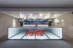 Bar Aberto Refreshed by Coca-Cola by This is Pacifica, via Behance Office Interior Design, Office Interiors, Coca Cola, Clothing Store Design, Reception Desk Design, Counter Design, Exhibition Stand Design, Artistic Installation, Environmental Design