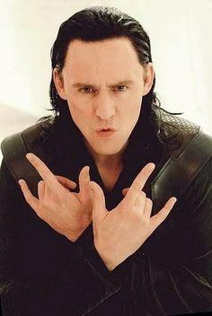 Loki thinks he is Spider man Loki Thor, Loki Laufeyson, Marvel Funny, Marvel Memes, Marvel Avengers, Loki And Sigyn, Avengers Memes, Tom Hiddleston Loki, Thomas William Hiddleston