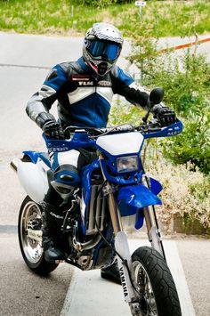 Yamaha WR 450 Monobike Supermoto O'Neal Wingman Helmet