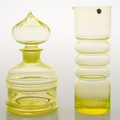 """NANNY STILL - Glass carafe """"Sulttaani"""" and  """"Tzarina"""" pitcher from Riihimäen Lasi Oy, 1960/70s, Finland.   [h. 25 cm, 25,5 cm]"""