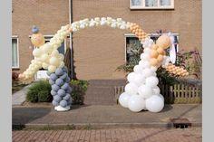 bruidspaar ballonnenboog