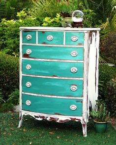 Shabby Shabby's Big Sister. It's a mix of CHALK PAINT®, Florence, Napoleonic Blue and Provence. I dry brushed some plain old Provence on there too, to add the beachy white washed look. www.MaKandJiLL.com