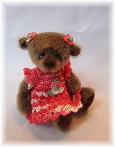 Sara by MadebyAnna, miniature artist bear, BearPile