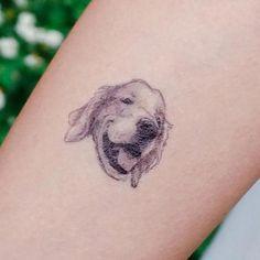 33 Cool Small Wrist Tattoos For Guys – Wrist Designs Wrist Tattoos For Guys, Small Wrist Tattoos, Pretty Tattoos, Cute Tattoos, Tattoo Sticker, Pieces Tattoo, Metal Tattoo, Memorial Tattoos, Small Tattoo Designs