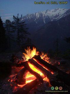 Bonfires in the Himalayas Bonfires, Himalayan, World Heritage Sites, Bushcraft, Trekking, National Parks, Outdoors, Outdoor Decor, Fun