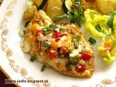 Zapekané kuracie prsia s paprikou a bryndzou - recepty Baked Potato, Potatoes, Baking, Ethnic Recipes, Food, Potato, Bakken, Essen, Meals