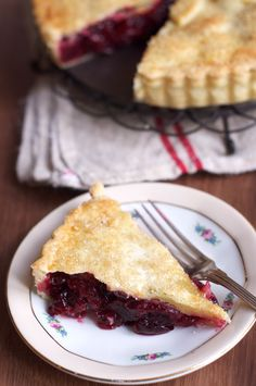 Twin Peaks Cherry Pie. Recipe by Leila Lindholm. Step-by-step photos