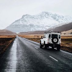 remarkable road, respectable vehicle | Iceland