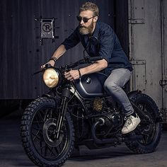 """7,245 Likes, 17 Comments - Cafe Racers and Life (@epidemic_motors) on Instagram: """"Kustom by @stg_tracker #motorcycle #bike #custom #ride #epidemicmotors #epidemic_motors…"""""""