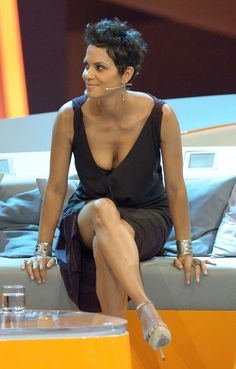 Privat+Halle+Berry+Sabber-3-Sp.JPG (1023×1600)