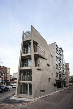 용강동에 위치한 김인철 건축가의 '자투리움'은 난해한 대지를 잘 이용했다./사진=전명진
