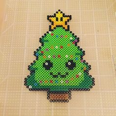King of Hama Bead Forest: Special Christmas Tree - Hama Models - Weihnachten - Mothering Hama Beads Kawaii, Diy Perler Beads, Perler Bead Art, Christmas Perler Beads, Arte Nerd, Art Perle, Hama Beads Design, Peler Beads, Pearler Bead Patterns