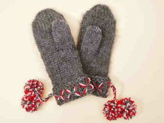 Neulotut polvisukat - Neuleohjeet ja askartelu - Yhteishyvä Knitting Projects, Knitting Patterns, Knit Mittens, Knit Fashion, Handicraft, Fingerless Gloves, Arm Warmers, Knit Crochet, Wool